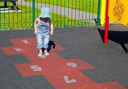 Ab Wann Können Kinder Hüpfen