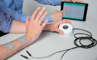 With Intento's device, patients self-administer the electrical stimulation