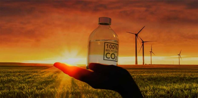 The technology makes it possible to recycle CO2 and produce methanol from it.  (