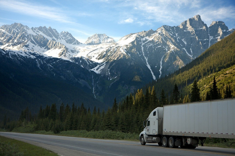 Capturing CO2 from trucks and reducing their emissions by 90%