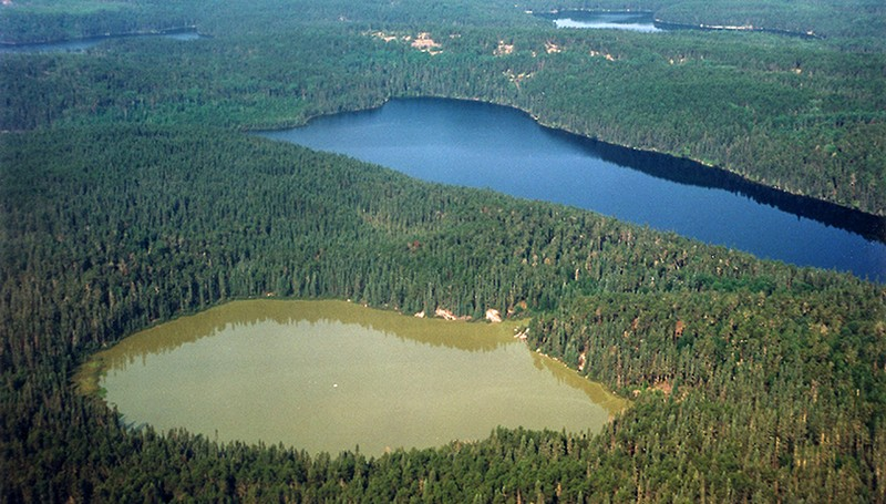 Clear or turbid? Shallow lakes can suddenly reach their tipping point. (Photo: I