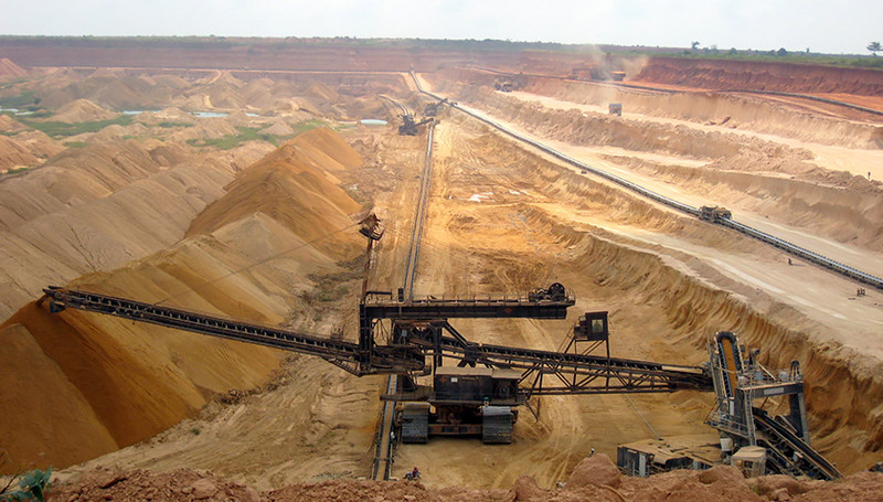 Mining phosphate in Togo (Photo: CC BY-SA 3.0)