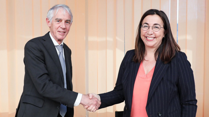 EPFL President Martin Vetterli and Cesla Amarelle, the head of the Canton of Vau