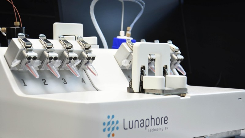 The cancer fast detection test device developped by the spin-off Lunaphore reach