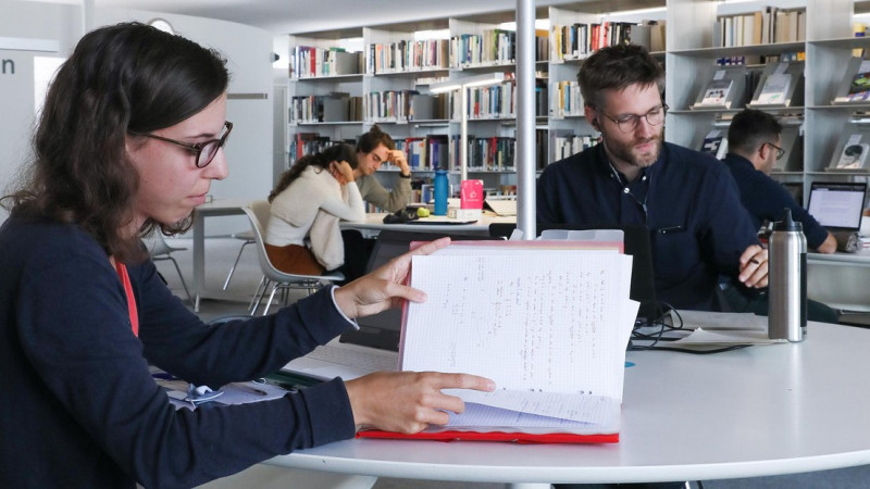 EPFL library offers a range of courses on tools that make it easier to implement