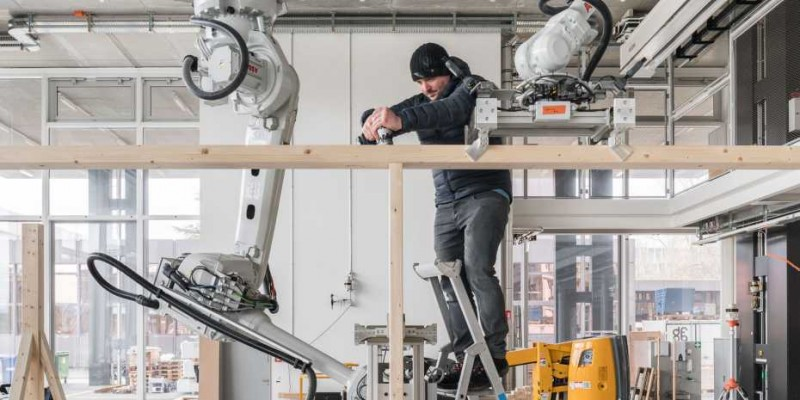 At Spatial Timber Assemblies, man and machine work together in both the plannin